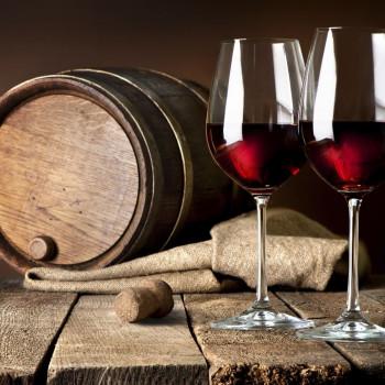 Госдума объявила о росте акцизов на вино